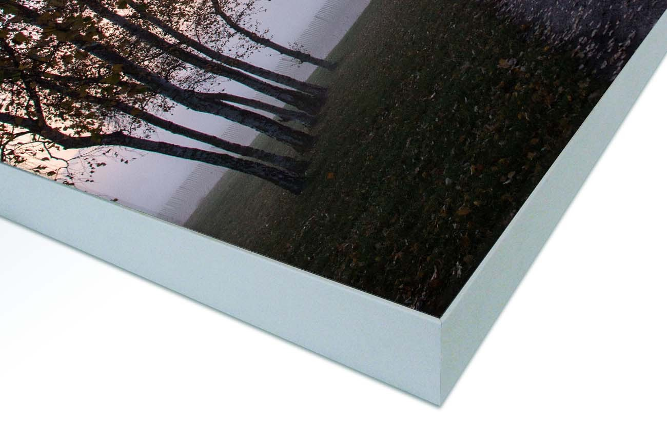 Close up textieldoek gemonteerd in frame zilver