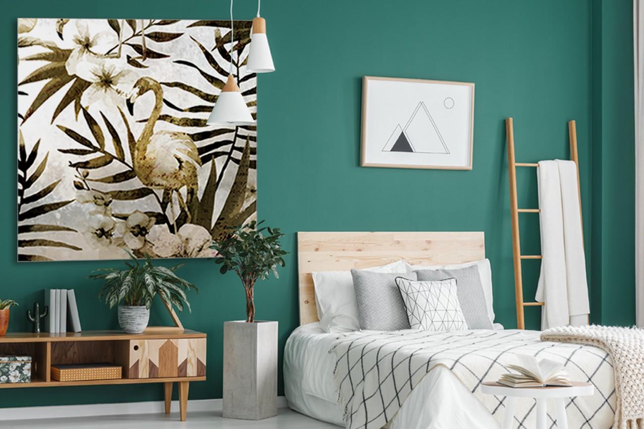 Flamingo in de natuur met mooie bladern van palmbomen van Kimberly Allen met als titel Birds of paradise 1 op textieldoek.